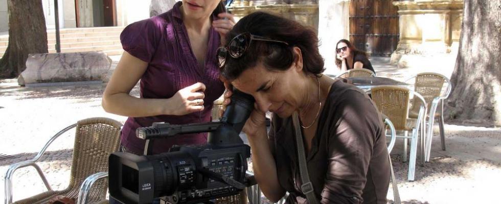 Sholeh Hejazi Consciente desde muy pronto de las peculiaridades expresivas del medio audiovisual, Sholeh Hejazi comenzó a producir y dirigir documentales al tiempo que experimentaba una nueva concepción del lenguaje publicitario. Tras abandonar la productora Apricot, funda en 1987 Amaranta, para llevar a cabo un laboratorio de investigación en el […]