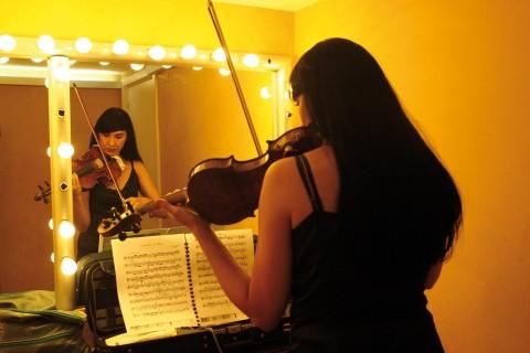 Isel es concertino de la Orquesta de Córdoba. De origen cubano defiende que la cultura es lo que nos diferencia como seres humanos y que por tanto es algo necesario. Si realmente reflexionamos en esta idea más allá del primer impacto de las palabras, vemos cómo la cultura debe ser […]